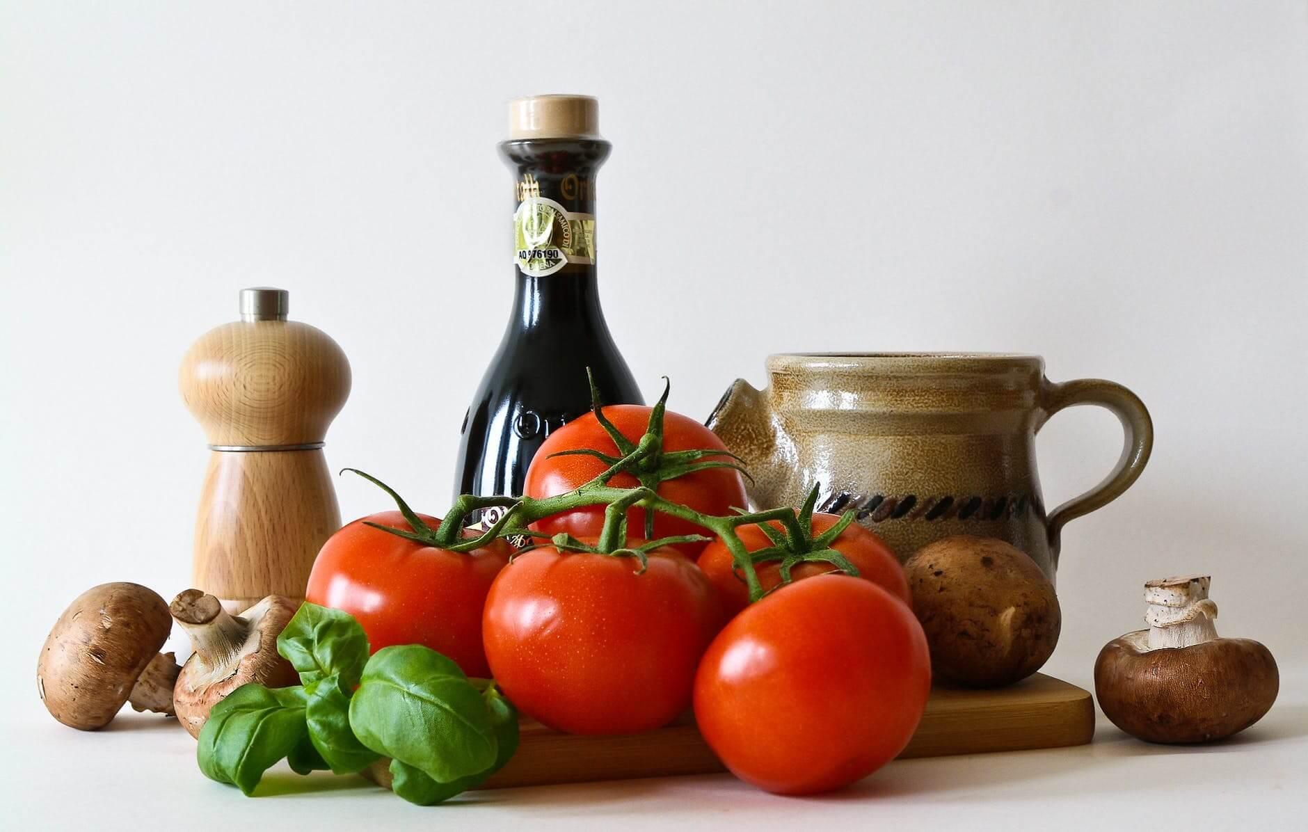 Azeite e tomate para a pizza