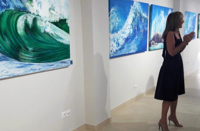 a pintora Maureen Simpson
