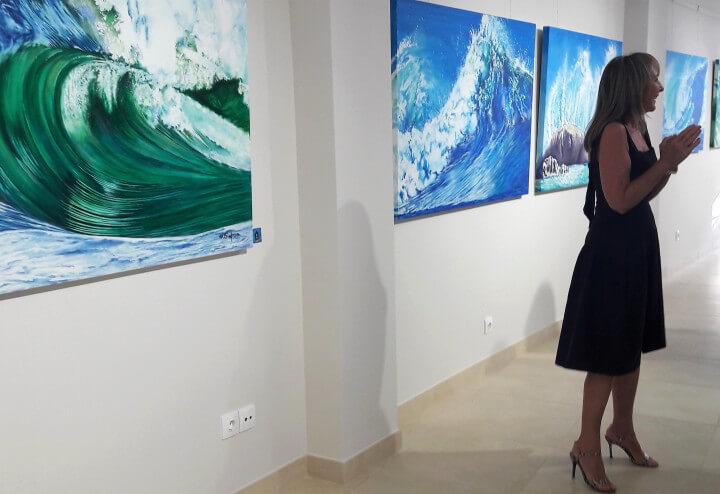 Ondas do mar da pintora Maureen Simpson