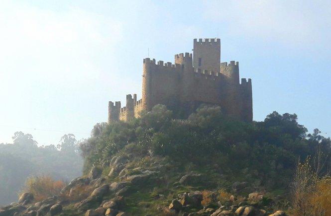 Castelo de Almurol- Pelo negro da terra e pelo branco do muro