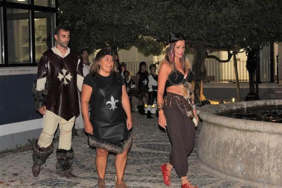 Um projeto incrível de roupas medievais - a Obistyle