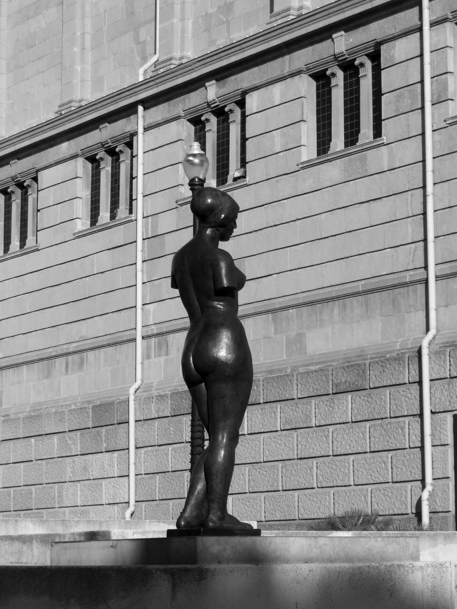 Estátua Barcelona -Fotografia Bruno César
