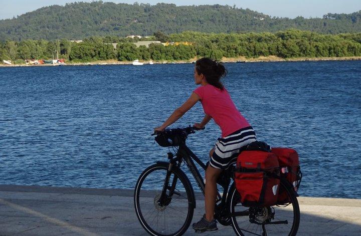 Inês Sarti Pascoal e a Bicicleta