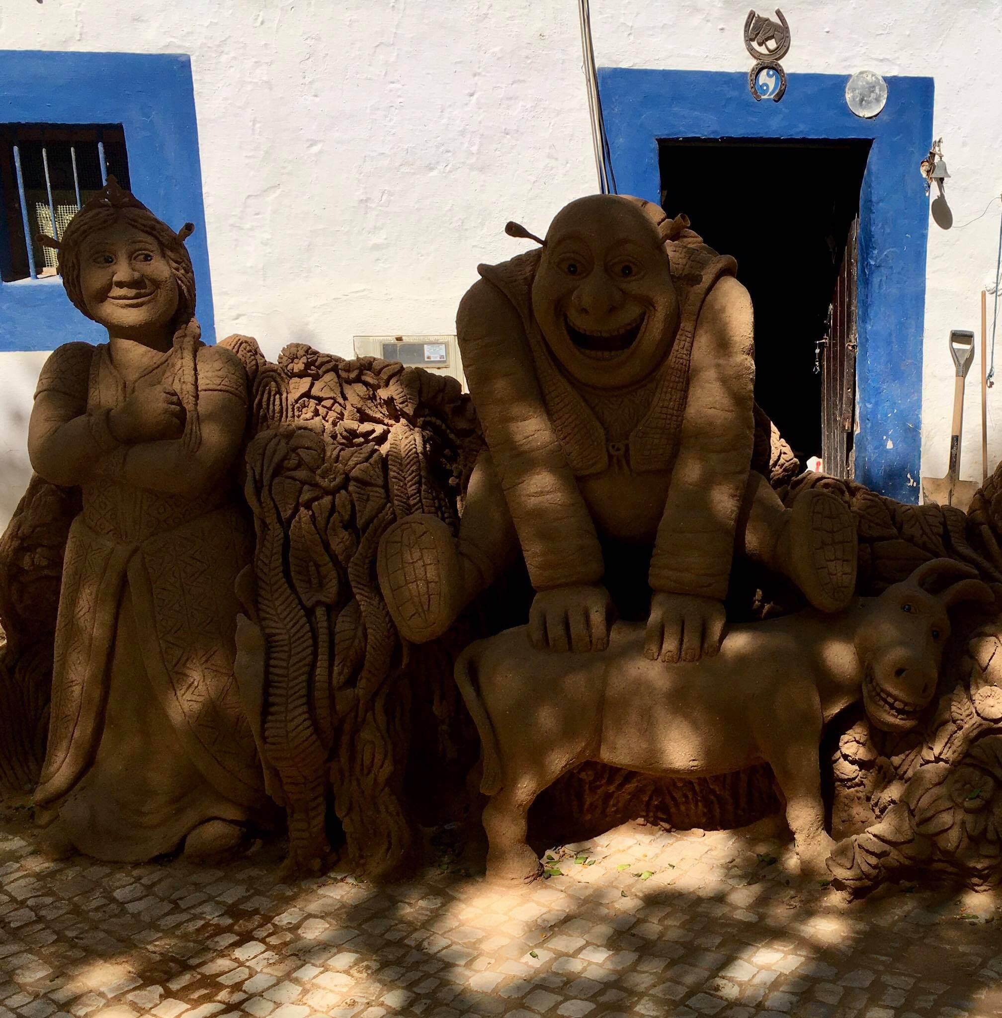 Escultura em areia do artista Zé Monteiro