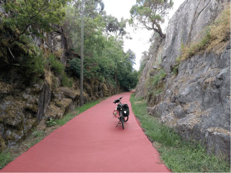 Cicloviagem por pistas coloridas - Piso Vermelho